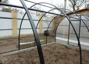 Теплицы из профильной квадратной трубы – верный путь к богатому урожаю
